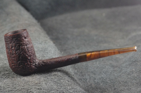 Pipe Pierre Morel CHIMNEY  SITTER ECAILLE